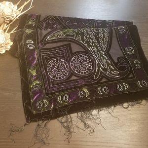 NWOT🌺Silk cut velvet scarf with fringe.
